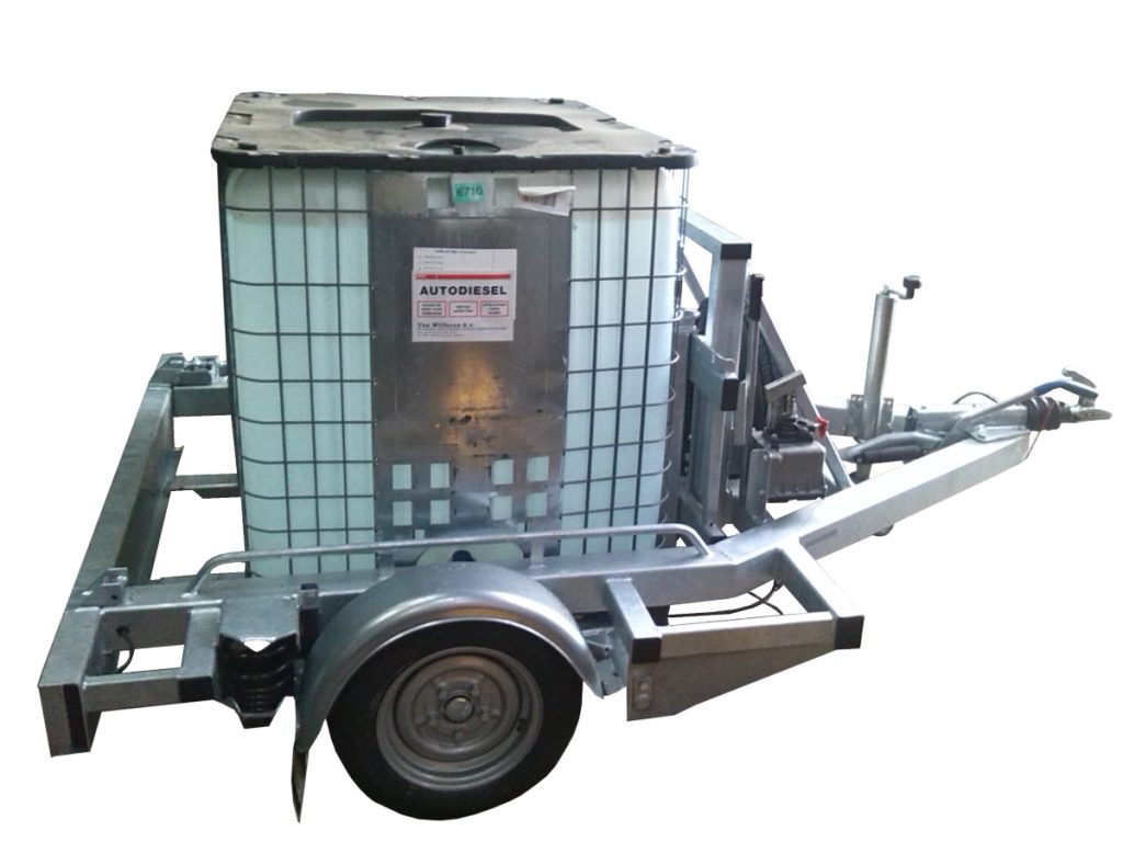 Pallet trailer with a IBC / Flued container